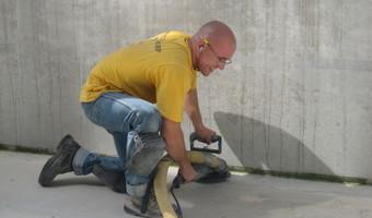 Stralen van beton en asfalt - Strahlen von Beton und Asphalt - Blasting concrete and asphalt