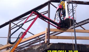 Stralen staalconstructie na brandschade - Blasting steel structure after fire - Strahlen Stahlkonstruktion nach Brand